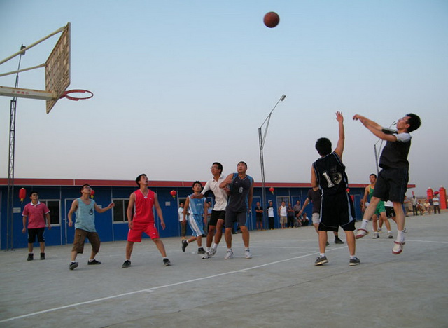 Overseas staff basketball match